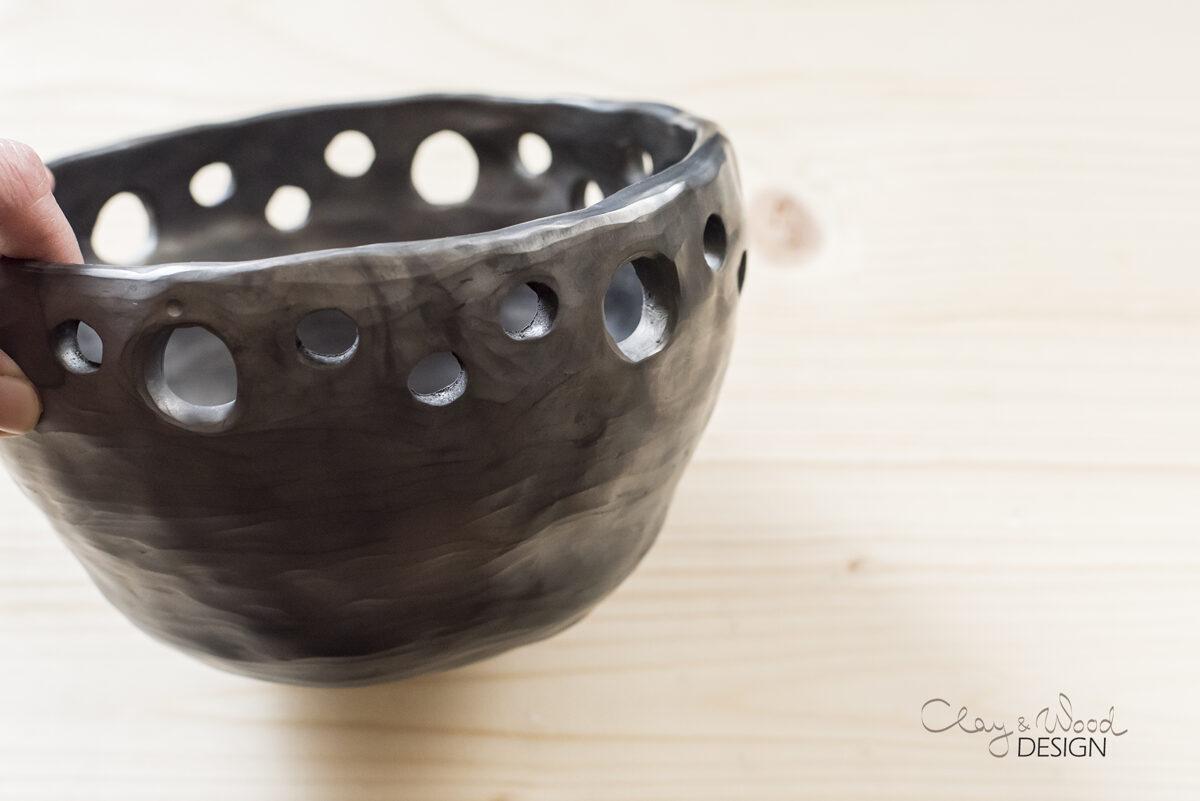 Melnās keramikas trauks - puķu pods