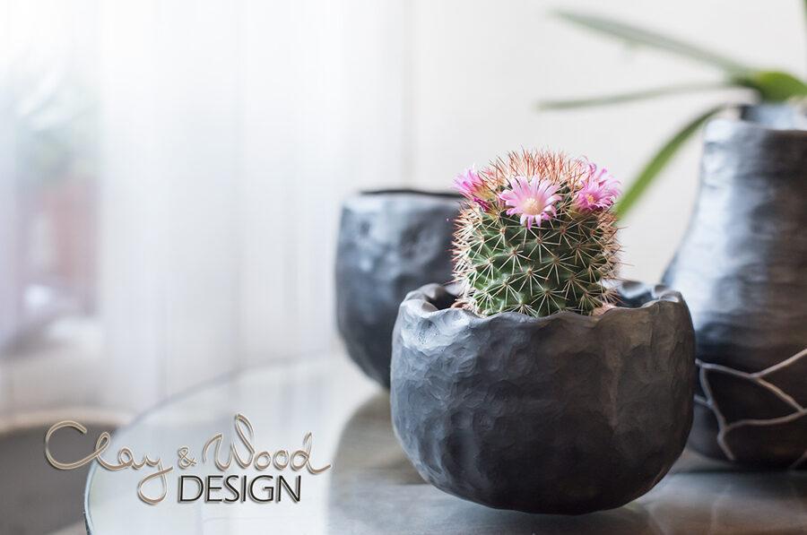 Melnās keramikas trauciņš - puķu pods
