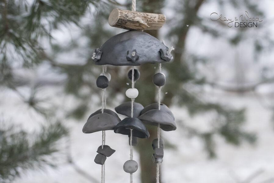 Melnās keramikas vēja zvani aplī